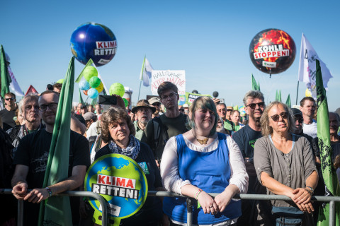 50,000 protestors for protection of Hambach Forest and an end to coal