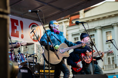 Rock band at protest in Zagreb, February 2020 (C) Zelena Akcija