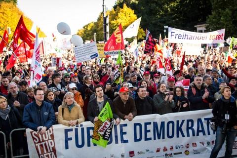 Protesting against the TTIP agreement in Berlin, October 2015 (c) Jörg Farys/ Die Projektoren
